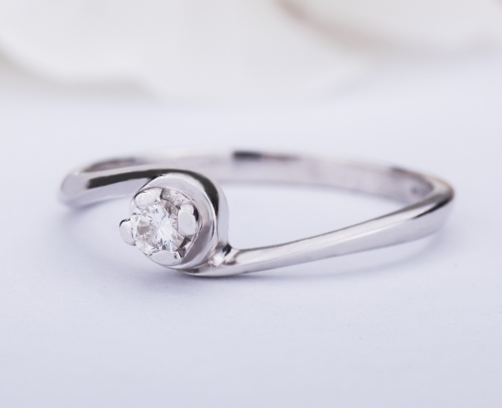 RING GOLD STAR Gold 18KT 750‰ Engagement Diamond Ring Solitaire ct0,08 AG0091