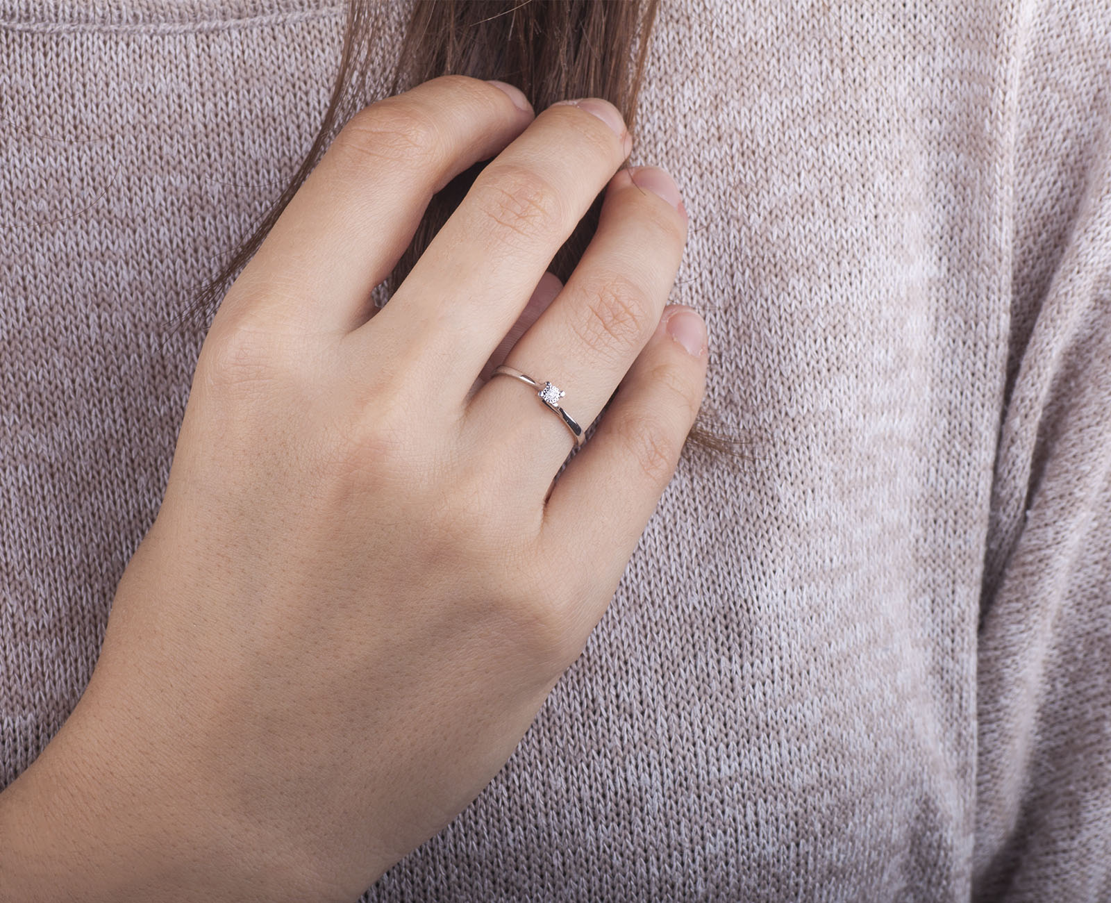 2165 vi sigla anello é oro